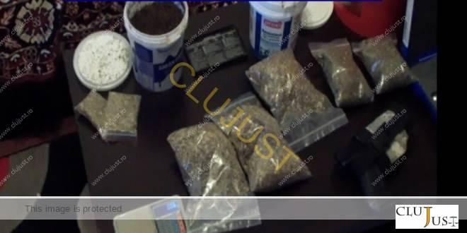 Tineri acuzați de trafic de droguri au cerut să nu fie arestați pentru a-și da examenele la facultate
