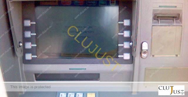 Două femei au găsit bani în bancomate din Cluj-Napoca, dar au procedat diferit