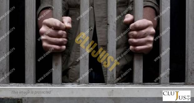 Un inculpat de 62 de ani a fost arestat, deși a cerut să fie lăsat să se ocupe de înmormântarea fiului
