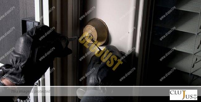 Spărgător de locuințe, prins de polițiști. Prejudiciu de peste 50.000 lei