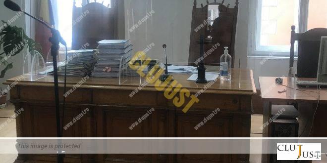 Respingerea cererii de constatare a nulităţii absolute a cercetării judecătoreşti într-un dosar de corupție de la Tribunalul Cluj