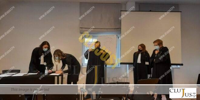 Stagiarii din pandemie au depus jurământul profesional în Baroul Cluj, cu mască FOTO/VIDEO