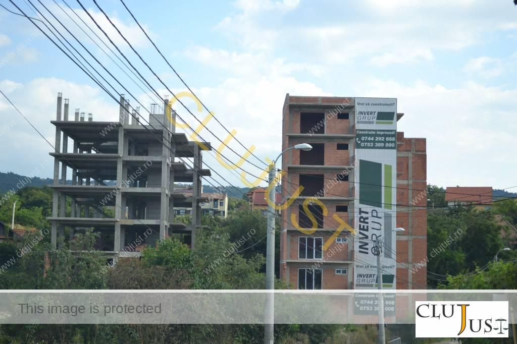 Lucrările la cele două blocuri sunt suspendate din primăvară