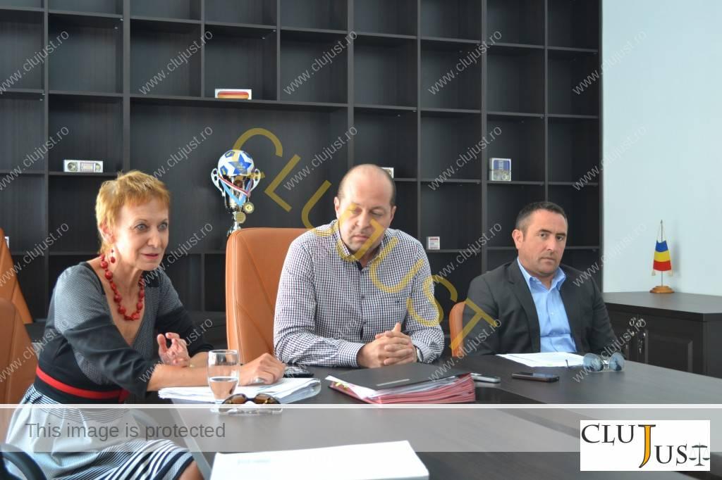 Conferință la Baroul Cluj. Decanul Mircea Pop și prodecanul Călin Budișan