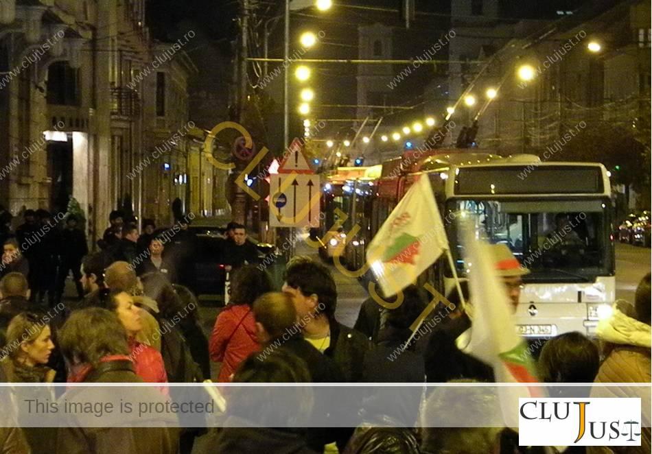 protest rosia montana autobuze