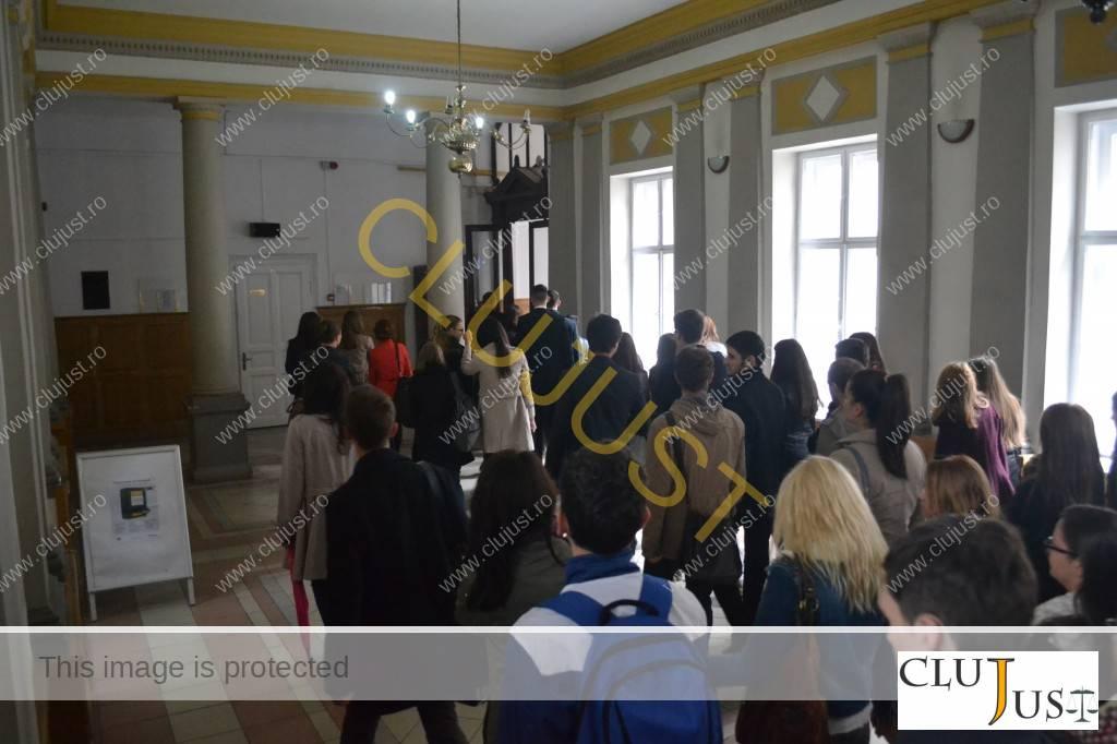 studenti la Curtea de Apel (1)