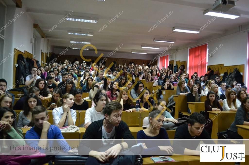 Studenții au fost captivați de cele spuse de procuroarea Teoc