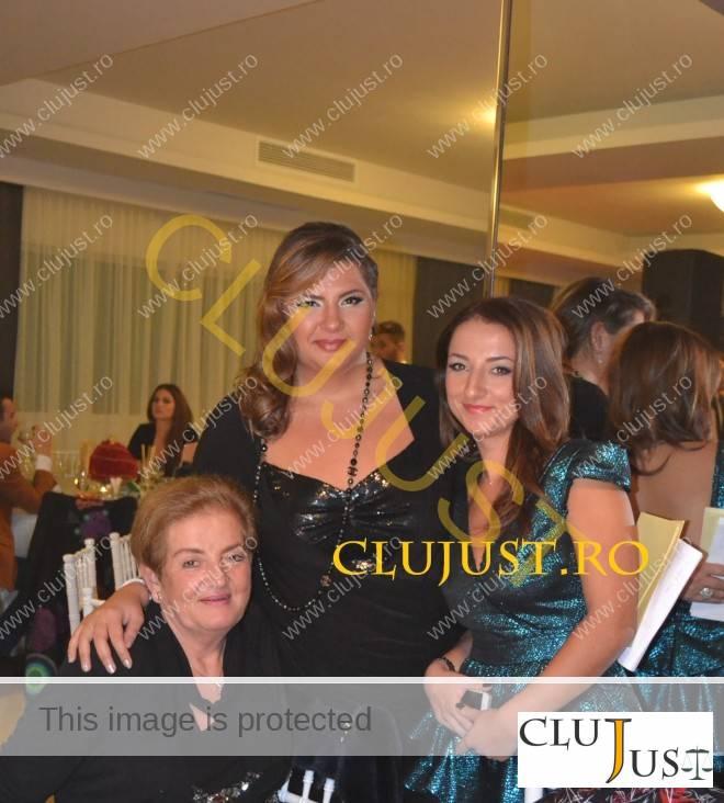 Sorana Gidro și Teona Tușa, alături de șefa INPPA Cluj, avocata Gidro Stanca
