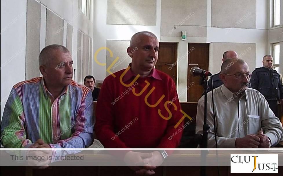 Ioan Oțel, Liviu Man și Aurel Mureșan în boxa acuzaților. (Sursa foto adevarul.ro)