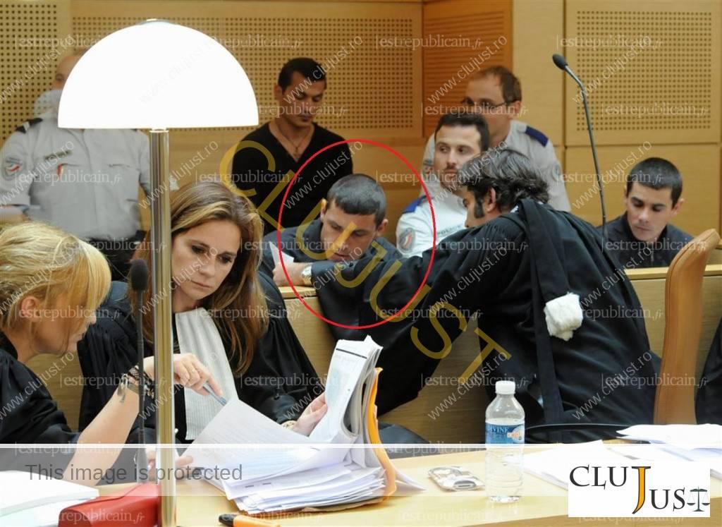 Cristian Bartuș și fratele lui la procesul din 2011