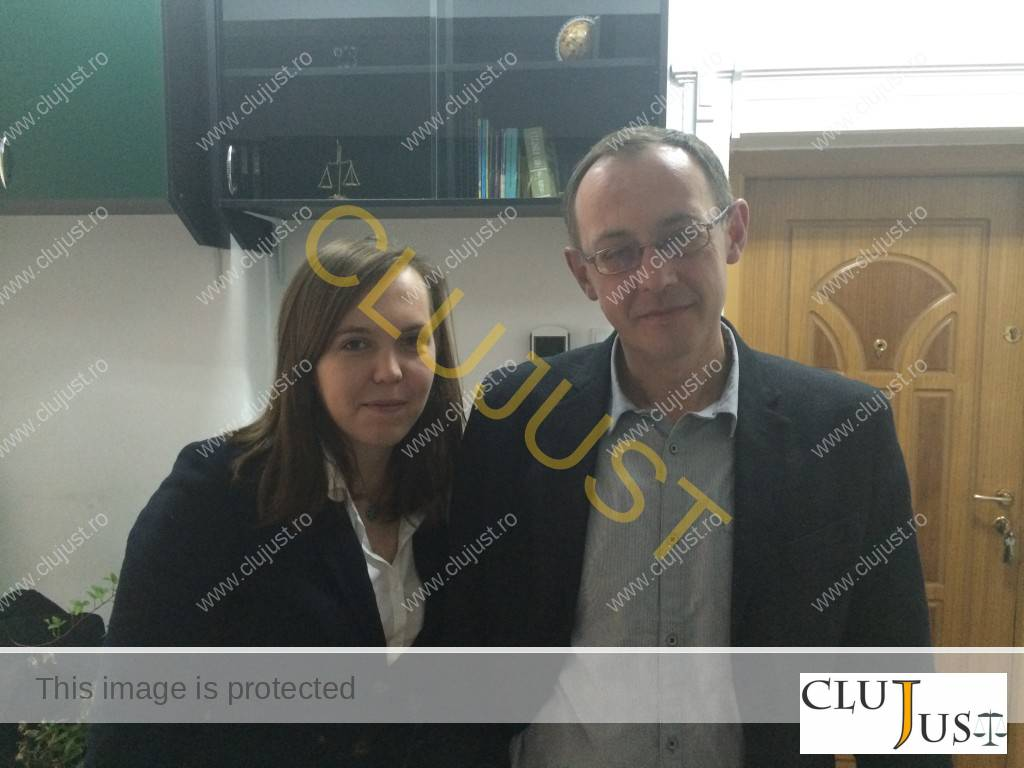 Studenta Iza Szocs și tatăl ei, avocatul Sandor Szocs