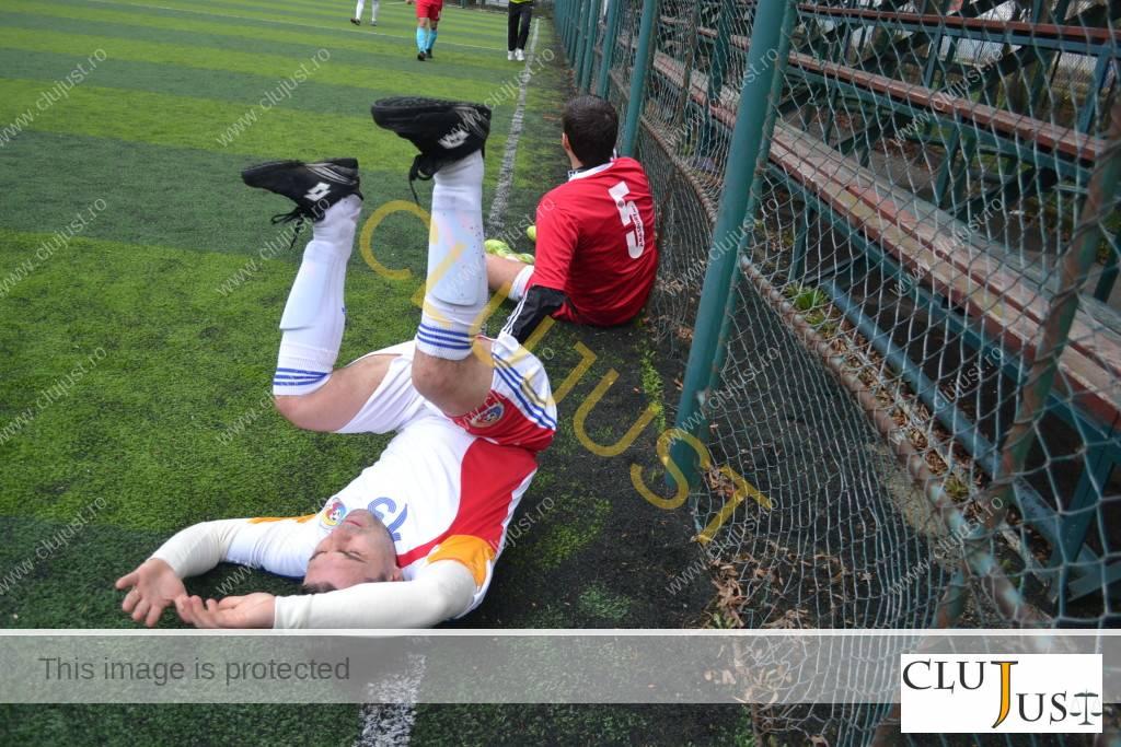 Ciprian Roman (în alb) și Bogdan Csalai, un duel constant