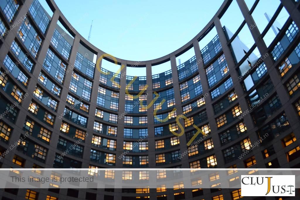 Parlamentarii europeni au sesiuni până la ore târzii