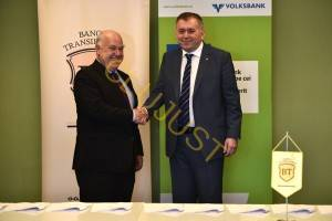 Președintele BT Horia Ciorcilă la preluarea Volksbank (sursa paginadebanci.ro)