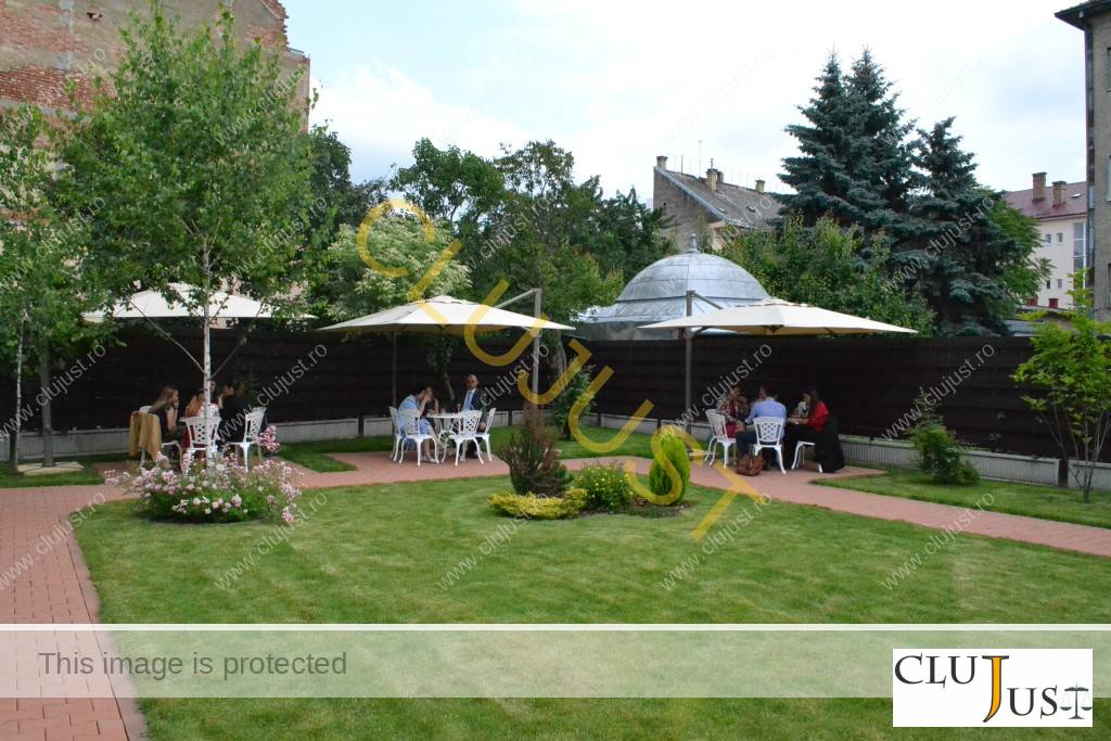 Grădina de la sediul Baroului Cluj