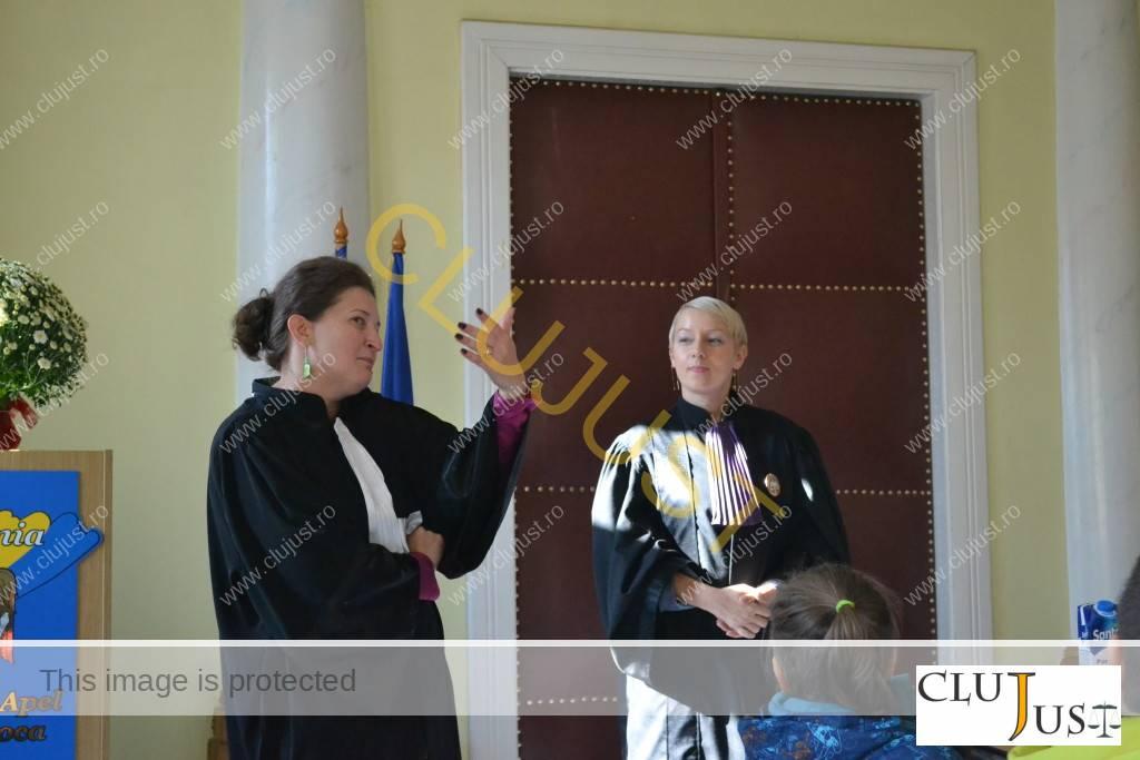 Avocat Alina Pușcă (stânga) și judecător Dana Gîrbovan (dreapta)