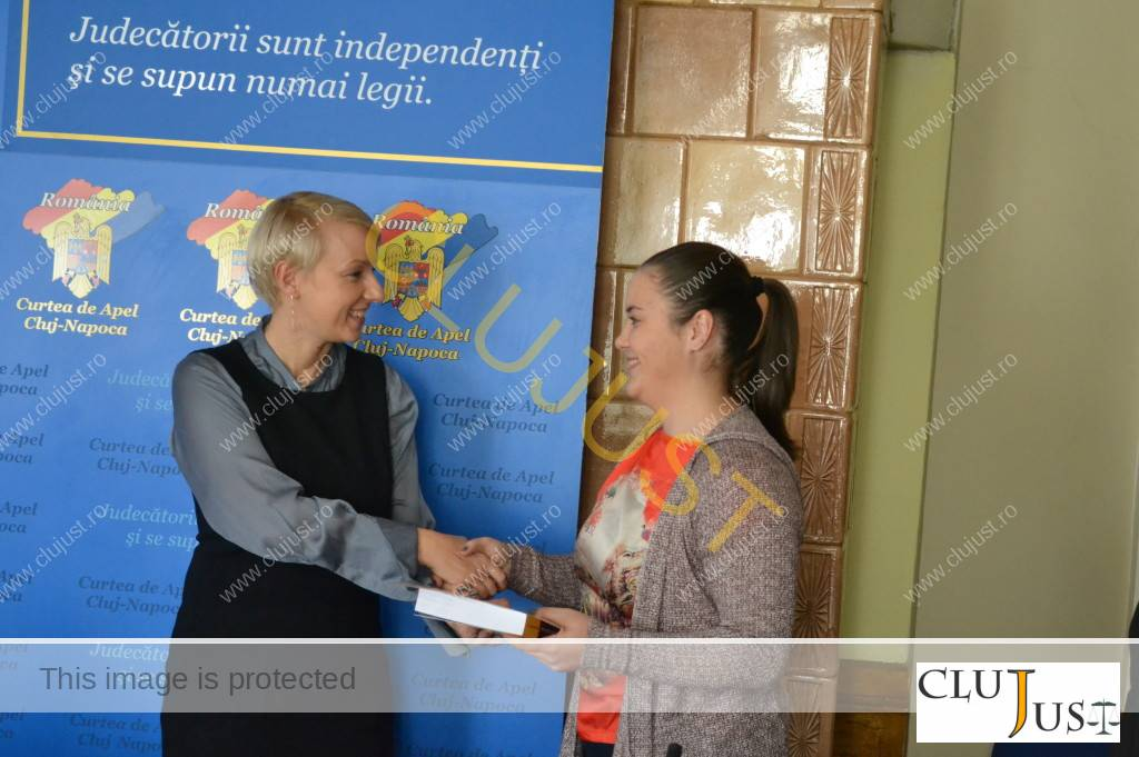 Simona Anca primind premiul