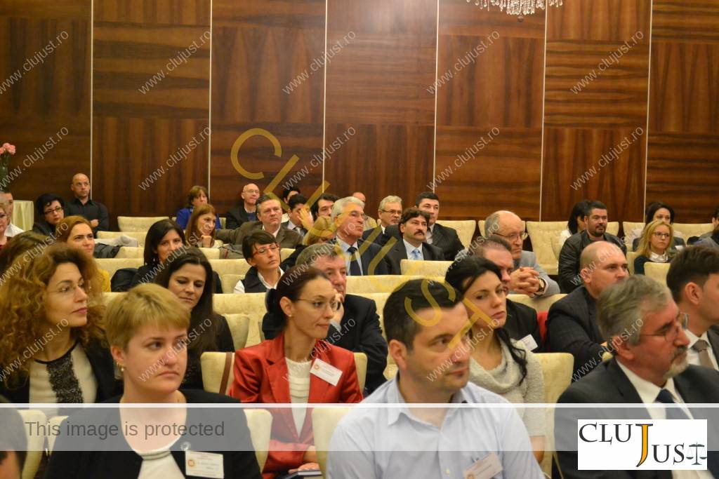 Avocații prezenți la conferința de la Bistrița