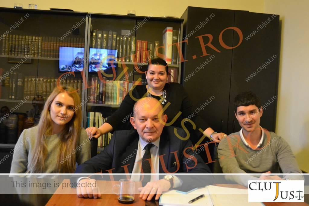 Eugen Iordăchescu și cei trei copii: Roxana, Irina Maria și Andrei