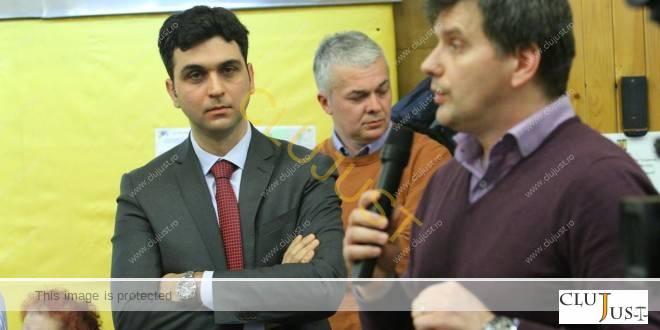 Avocații Dan Godorogea și Radu Herțeg (la microfon) în Consiliul Local