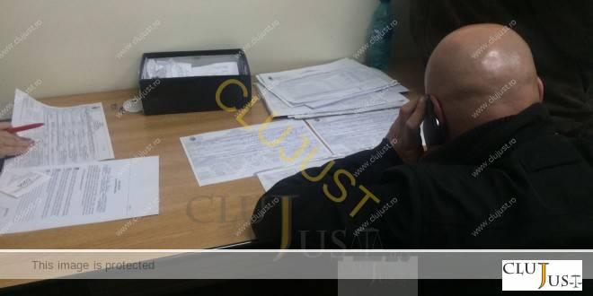 oameni depunere declaratie primarie (2)