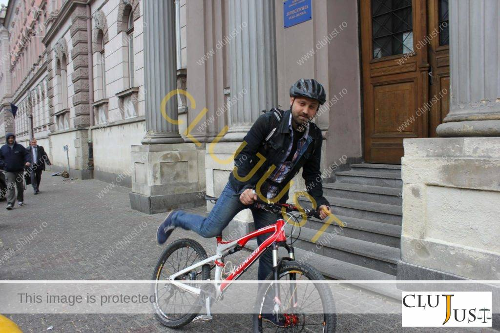 lucian marian cu bicicleta (2)