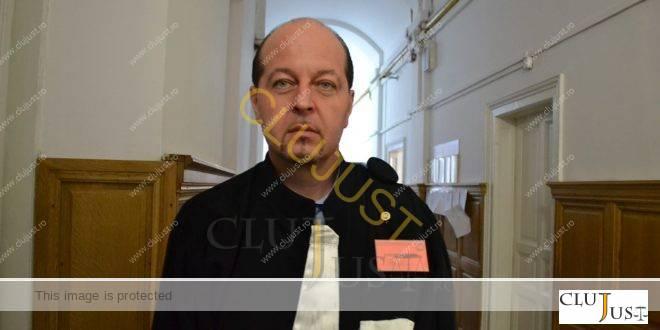 Greu de judecat. Decanul Baroului Cluj, Mircea Pop, în litigiu cu AJFP
