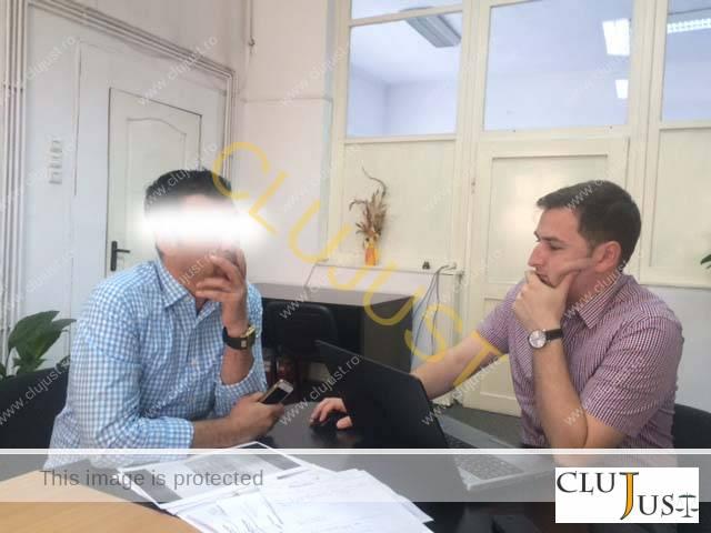 Tatăl reclamant și avocatul Mihai Pop