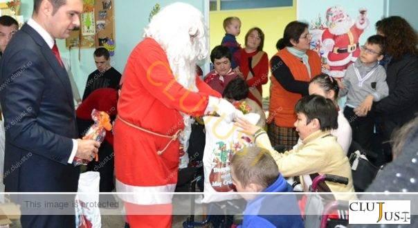 Tribunalul Cluj îi dă voie primarului din Baia Mare să fie Moș Nicolae pentru copii nevoiași
