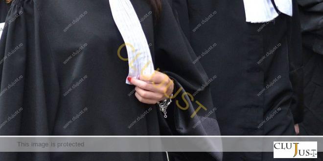 O avocată din Cluj a câștigat în instanță reînscrierea în Registrul de asistență judiciară, plus daune!