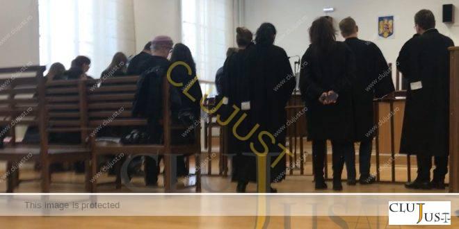 Decizie CA Cluj de casare a sentinței Tribunalului prin care era redus la jumate onorariul avocațial