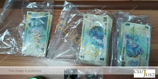 45.000 de lei ridicați de la trei tineri acuzați de trafic de droguri din Cluj