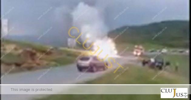 Modul ciudat în care a ars o mașină la Sălicea. Noile materiale și tehnologii pun în pericol salvatorii VIDEO