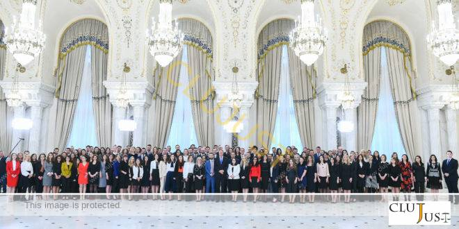 """Iohannis către absolvenții INM: """"Porniți pe un drum despre care știți deja că este plin de provocări"""""""
