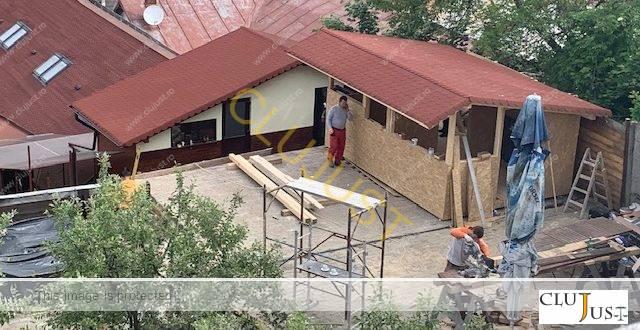 Anchetă penală pentru terasă-bar fără autorizație și aviz în zona de protecție a monumentelor istorice din Cluj