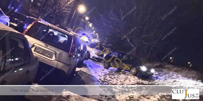 Un șofer din Cluj-Napoca a fugit de poliție cu soția și copilul în mașină. Bărbatul nu are permis