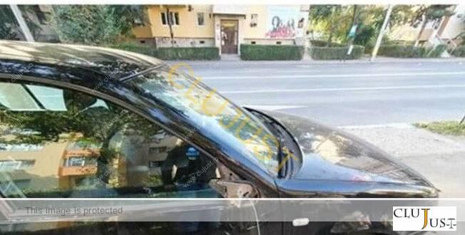 Un bărbat a rupt zeci de oglinzi la mașini pe două străzi din Cluj-Napoca