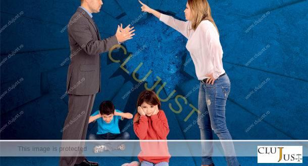 Daune morale câștigate de un tată pentru subminarea relației cu copiii de către fosta soție