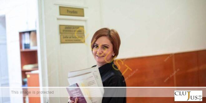"""Jud. Adriana Stoicescu: """"Îmi iau angajamentul să plec cât mai repede la pensie, dar… I'll be back…""""."""