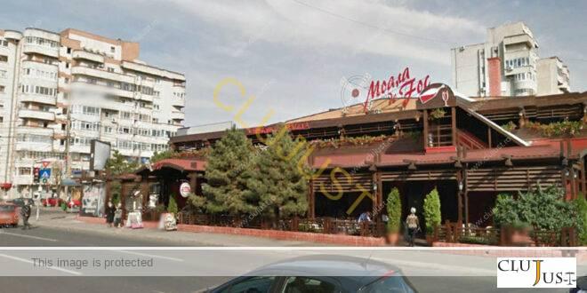Un cadru didactic a obținut 10.000 de euro daune morale de la un restaurant care a refuzat să-l servească datorită orientării sale sexuale