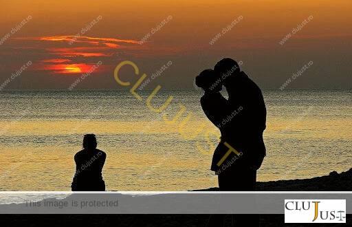 Tupeu de amantă: să ceri daune morale de la soția înșelată